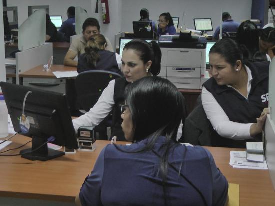 Farmacias se unen a la modalidad de dinero electrónico en Manabí