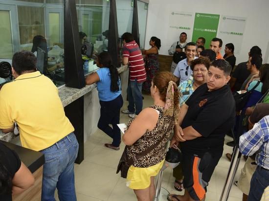 La banca retoma cobro de deudas en zonas afectadas por el 16A