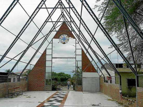 Sin dinero para reparar iglesias afectadas por el 16A