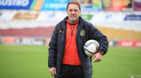 Álex Aguinaga deja el Deportivo Cuenca para dirigir a otro equipo del país