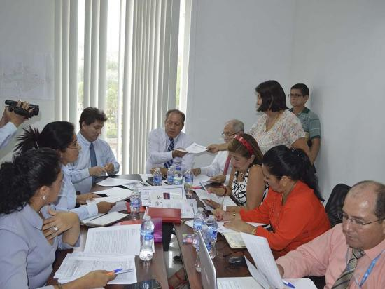 Junta Cívica de Chone entregó 21 peticiones  al concejo municipal