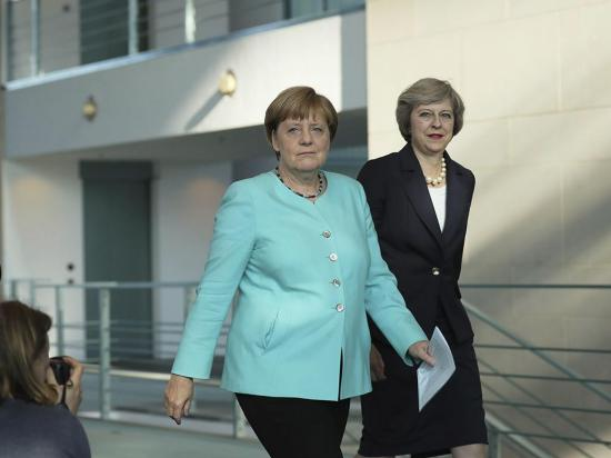 Reino Unido prevé activar su salida de la UE para después de fin de año