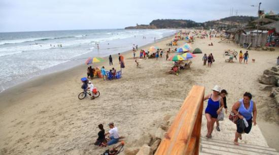 Olas de hasta 2,2 metros este fin de semana en las costas del país según Inocar