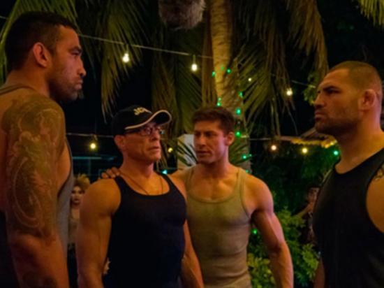 Jean-Claude Van Damme ahora entrena peleadores de la UFC en 'Kickboxer'