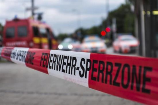 Policía busca a tres personas armadas tras tiroteo con ocho muertos en Múnich
