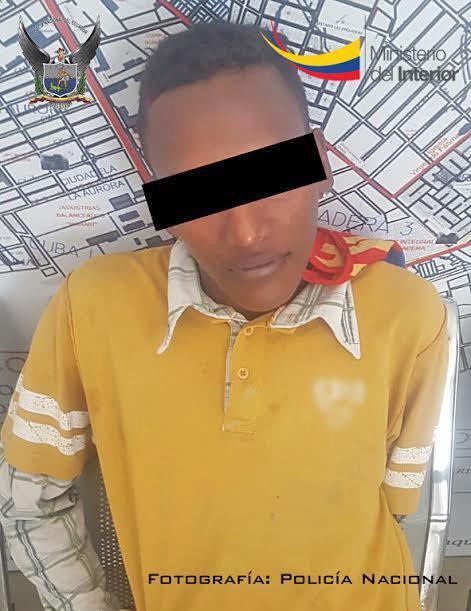 Policía decomisa arma de fuergo a un hombre en Manta