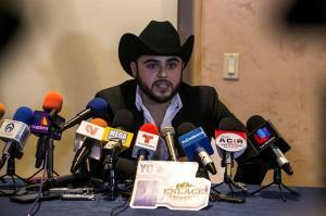 Cantante mexicano pide perdón a las mujeres por polémico videoclip