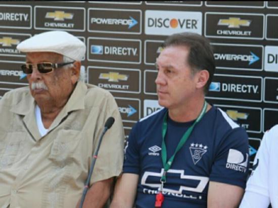 Aguinaga asume Liga de Quito