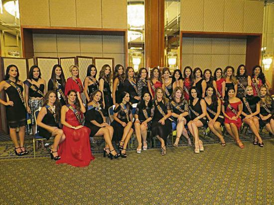 El encuentro 'Reinas del Miss Ecuador' reunió  a 35 misses del país