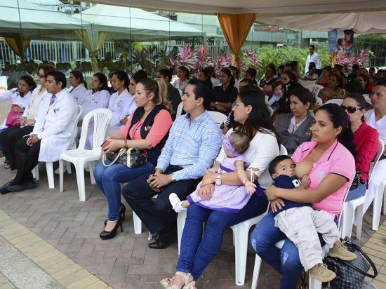 Lanzan un concurso incentivando a la lactancia materna