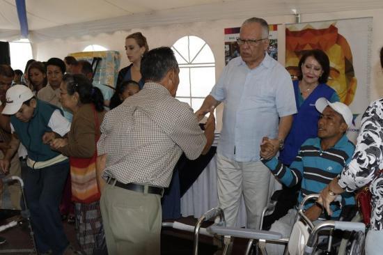 Ochenta familias reciben ayudas