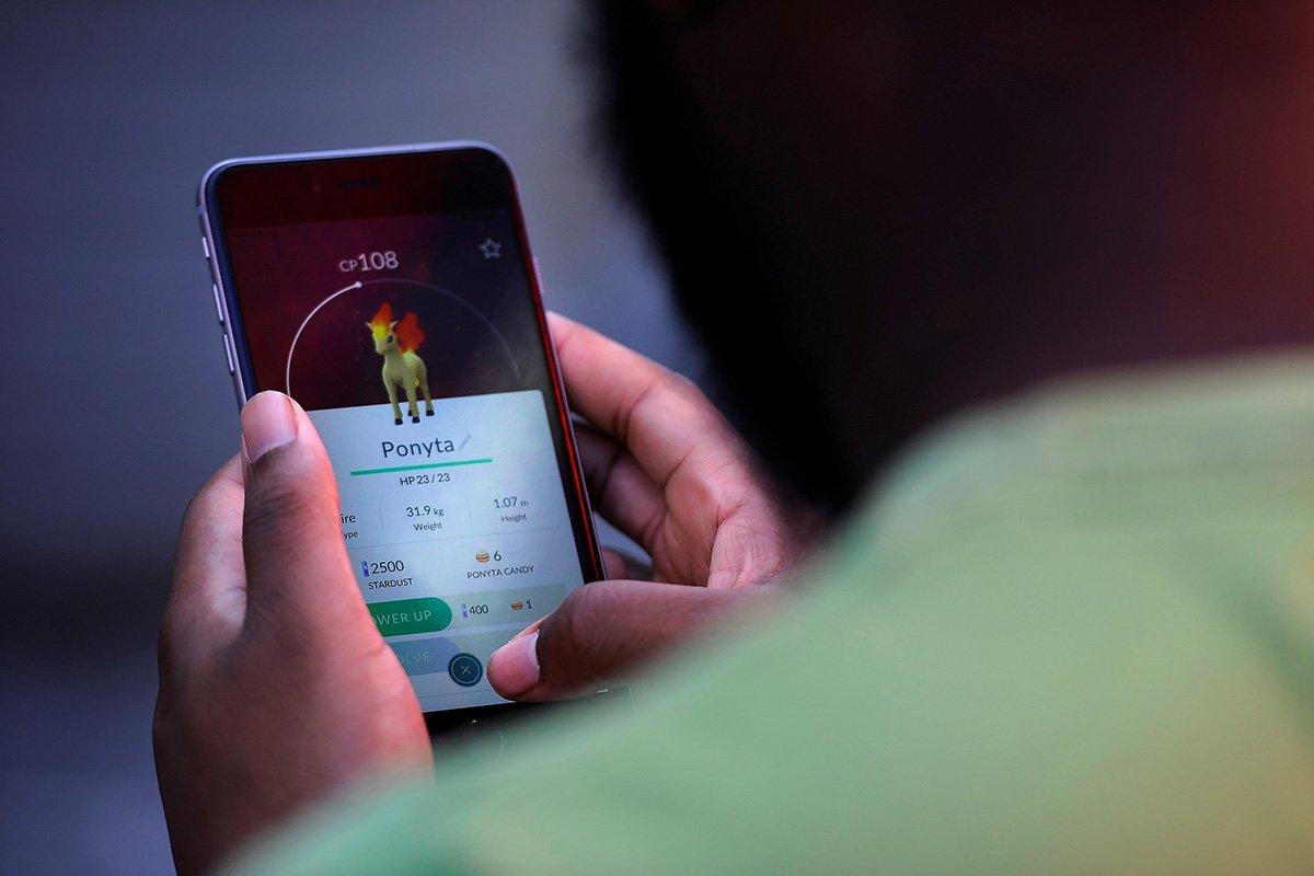 Detienen a 2 adolescentes canadienses por cruzar a EE.UU. jugando Pokémon GO