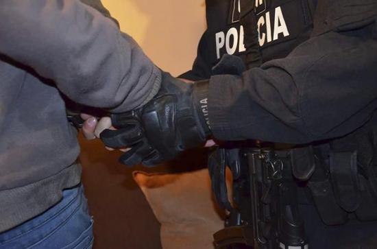 Detenido por agresión física