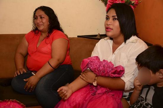 Las tristes quinceañeras: Se quedaron sin fiesta tras el 16A