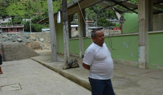 Morador de la parroquia Alluriquín se niega a dejar su tierra pese al peligro