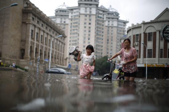 Inundaciones provocan caos