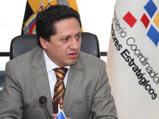 Ministro advierte salida de Pdvsa