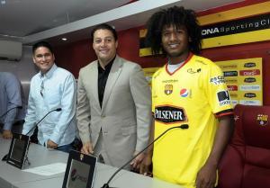 Christian Alemán es presentado como nuevo refuerzo de Barcelona SC
