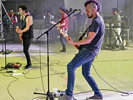 El rock y romanticismo de Verde 70 cautivó al  público guayaquileño