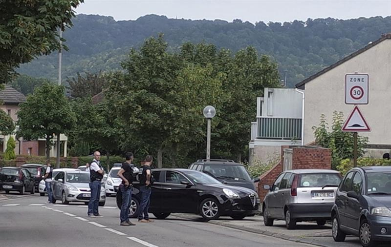 Mueren un rehén y dos secuestradores tras ataque en iglesia de Francia