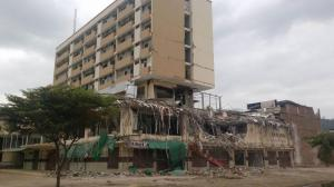 Suspenden la implosión del Centro Comercial Municipal de Portoviejo