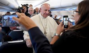 El papa dice que el mundo está en guerra, pero no 'una guerra de religiones'