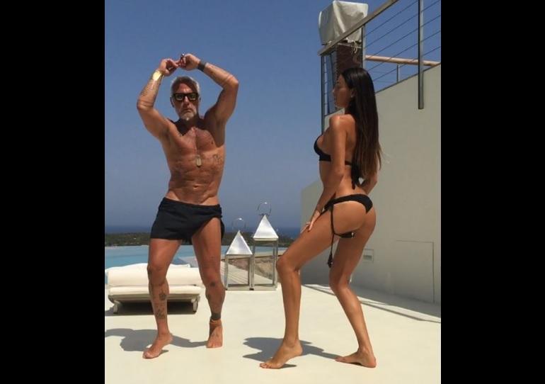 Millonario italiano arrasa en las redes sociales con su extravagante baile
