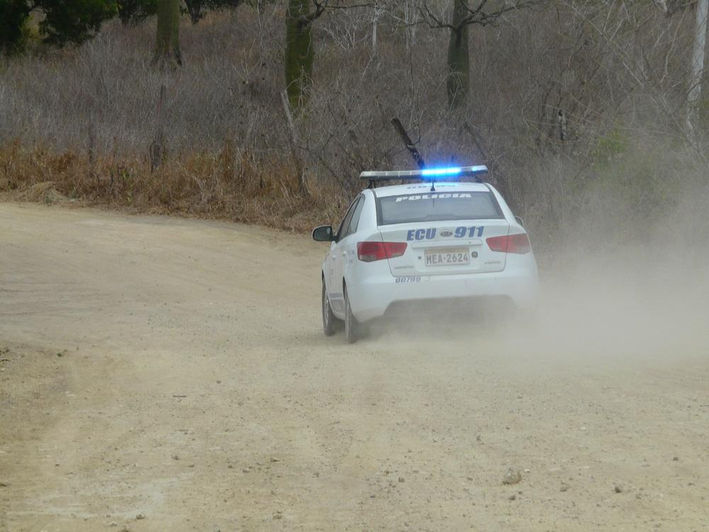 Policía recupera vehículos en un operativo realizado en Montecristi