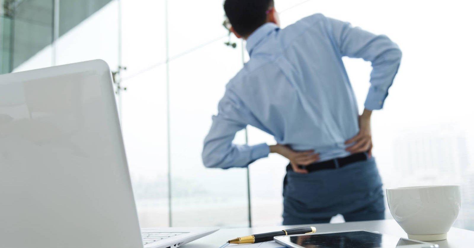 Cómo contrarrestar los riesgos para la salud de pasar 8 horas sentados