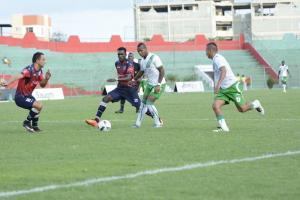 Clan Juvenil vence por 2-1 a Liga de Portoviejo en Sangolquí