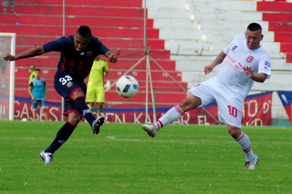 Colón FC vence por 2-1 a Deportivo Quito en el Reales Tamarindos