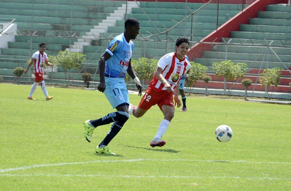 Técnico Universitario vence por 2-1 al Manta FC en el Reales Tamarindos