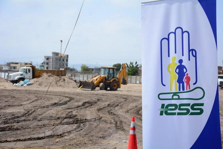 Empezó en Manta la construcción del nuevo hospital del IESS