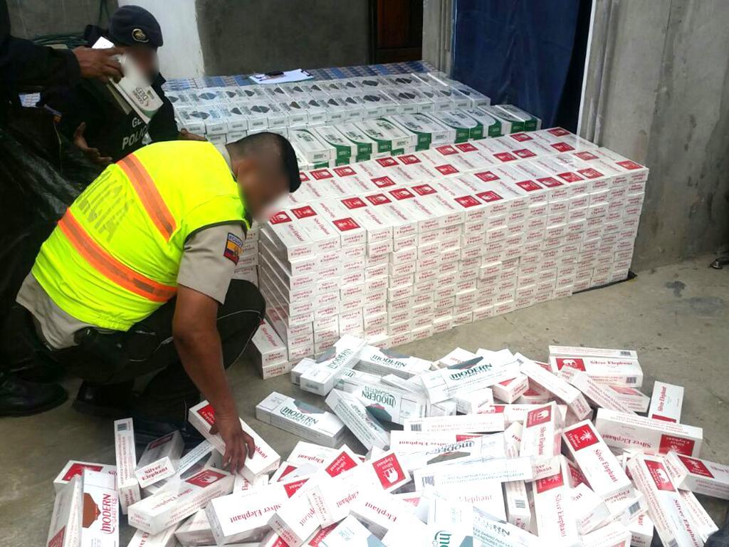 Descubren cigarrillos que entraban de contrabando for Que hace el ministerio del interior