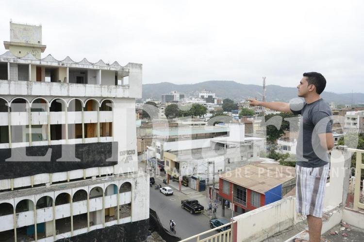 Las últimas imágenes del edificio Álava de Portoviejo antes de la implosión