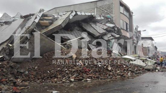 Se realizó la implosión del edificio Álava