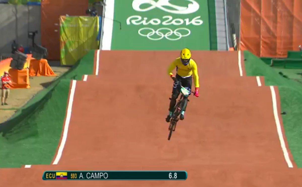 El ecuatoriano Alfredo Campo queda fuera del BMX tras accidente