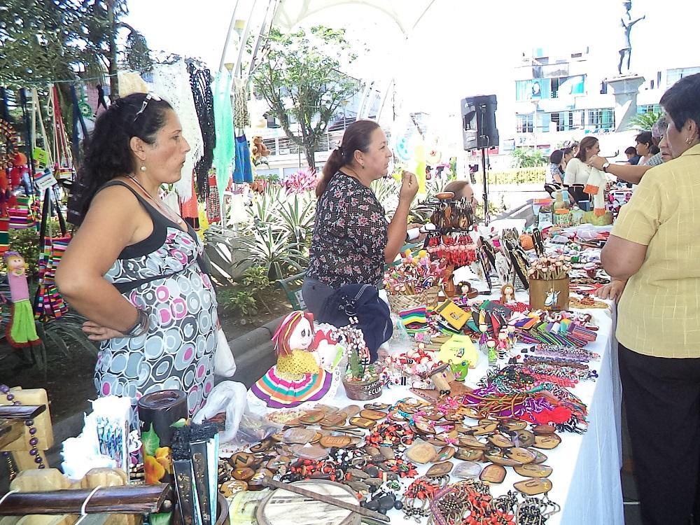 30 expositores en  el parque Zaracay