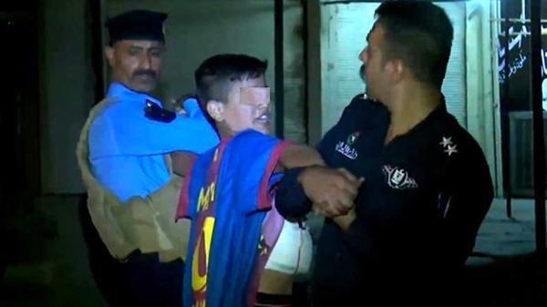 Detienen en Irak a un niño que usaba la camiseta de Lionel Messi cuando iba a inmolarse