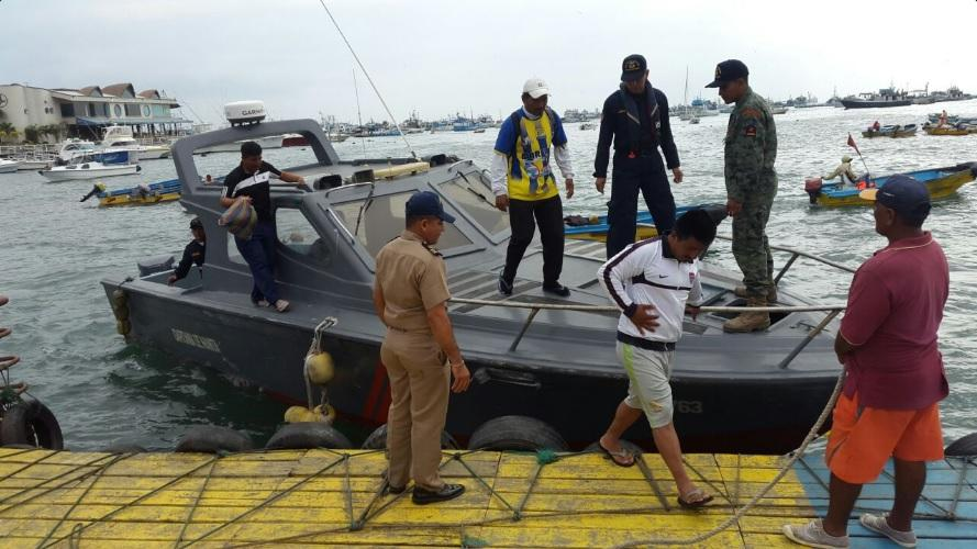 Pescadores rescatados en Manta tras permanecer ocho días en altamar