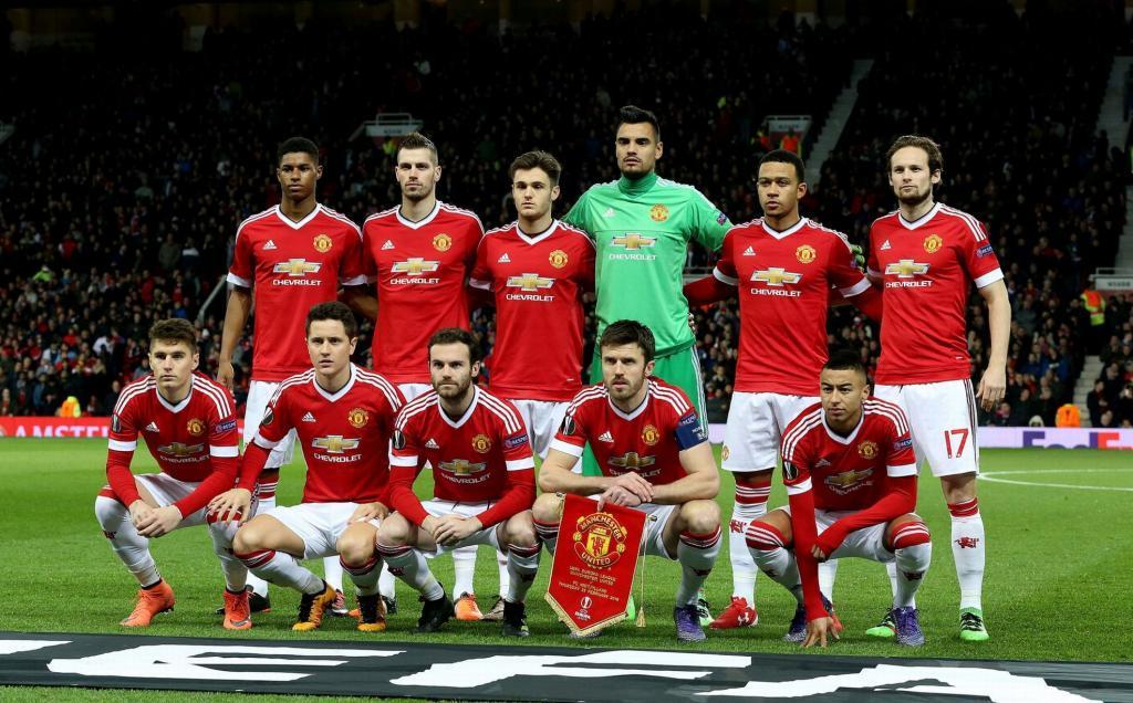 Manchester United confirma la salida de dos jugadores