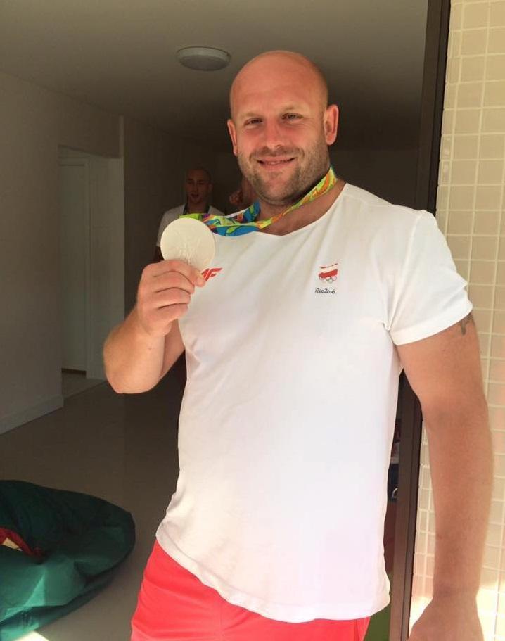 Pone a la venta medalla que ganó en Río para ayudar a un niño con cáncer