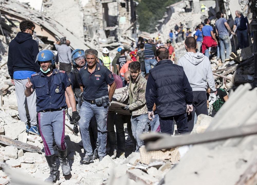 Asciende a 159 la cifra de fallecidos tras el terremoto en el centro de Italia