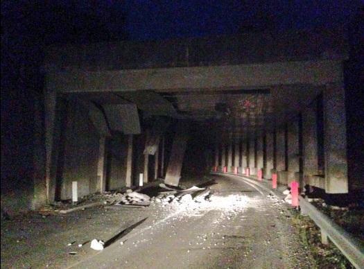Sismo destruyó la mitad de Amatrice y hay gente bajo los escombros