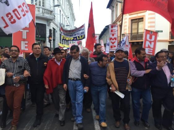 Marchas a favor y en contra del Gobierno en Quito