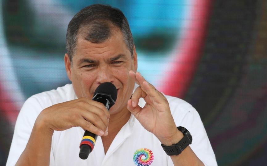 Correa arremete contra militares que desconocen su autoridad
