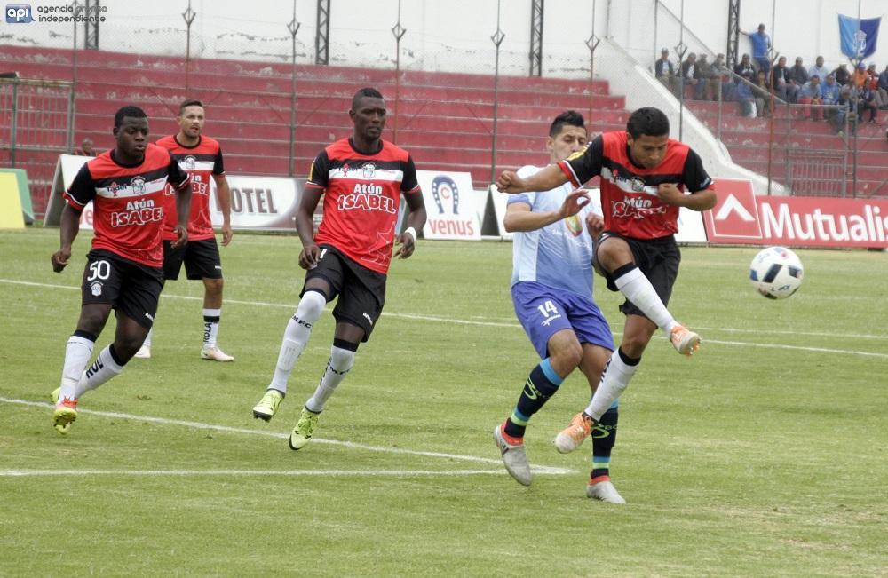 Manta pierde 4-1 de visita ante Macará