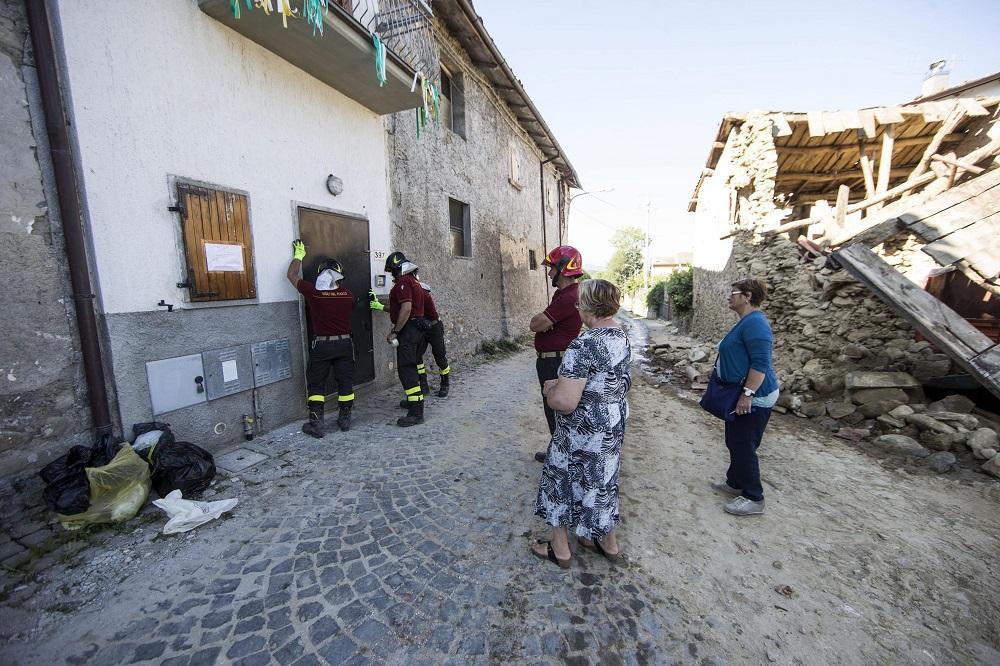 Cinco días después del terremoto Amatrice recobra un poco de calma