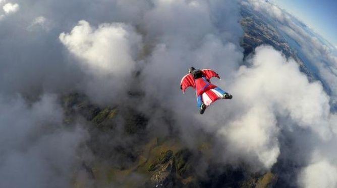 Transmite en vivo su muerte al realizar salto