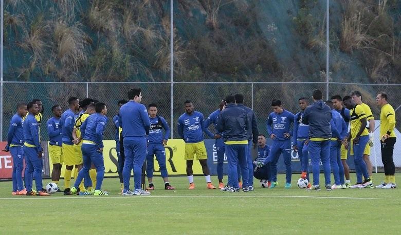 Mina y Bolaños se suman a la concentración en la Casa de la Selección